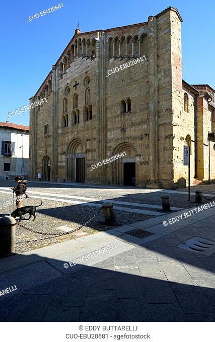 Basilica di San Michele Maggiore, Lombard Romanesque style, XI century, historic city center, Pavia, Lombardy, Itay, Europe