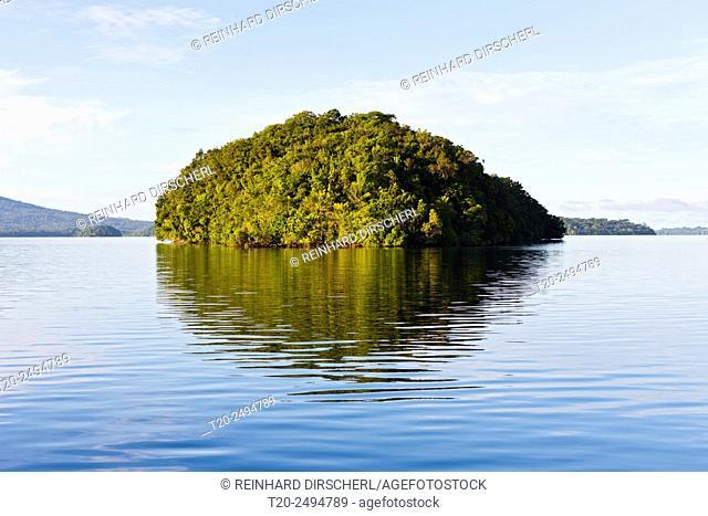 Tropical Island, Marovo Lagoon, Solomon Islands