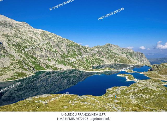 France, Isere, La Ferriere, Belledonne massif, hike to the Sept Laux Plateau, lake Cottepens and lake Carre (alt : 2135 m)