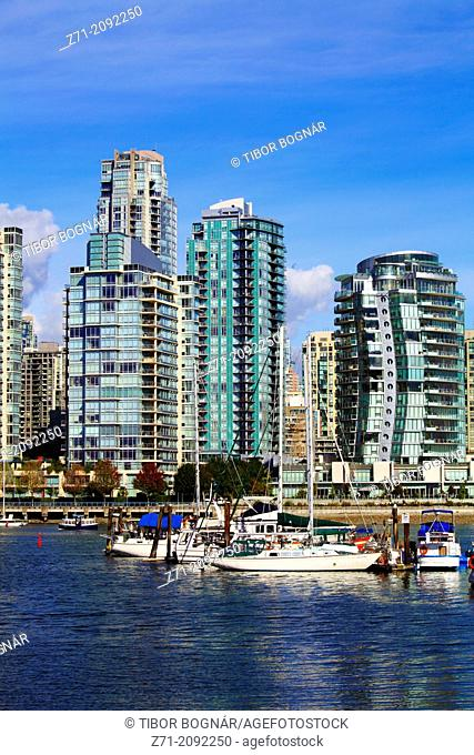 Canada, Vancouver, False Creek, marina, boats, skyline,