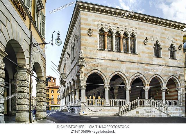 Looking at the Loggia del Lionello in the Piazza della Liberta in Udine, Italy