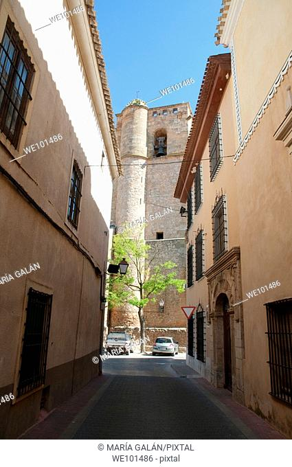 Street and church. San Clemente, Cuenca province, Castilla La Mancha, Spain