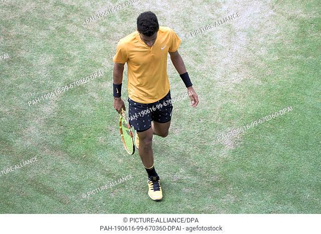 16 June 2019, Baden-Wuerttemberg, Stuttgart: Tennis: ATP-Tour - Stuttgart, Individual, Men, Final: Auger-Aliassime (Canada) - Berrettini (Italy)