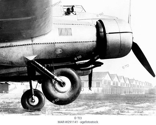 monoplano bimotore di linea caproni ca. 123, 1930-40