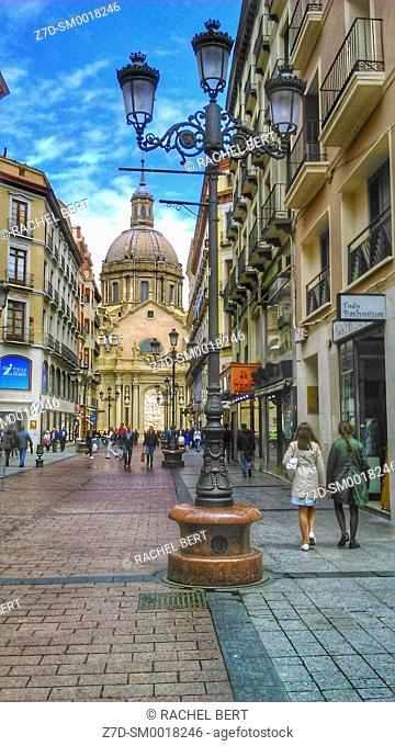 Alfonso Street with the Basilica del Pilar at the bottom, Saragossa, Aragon, Spain
