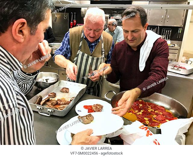Cooks in the kitchen, Sociedad Gastronómica Gaztelubide, Gastronomic society, San Sebastian, Donostia, Gipuzkoa, Basque Country, Spain, Europe