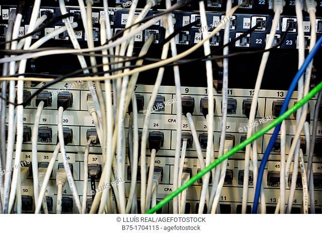 conexiones de informatica y telecomunicaciones, Computer and telecommunications connections