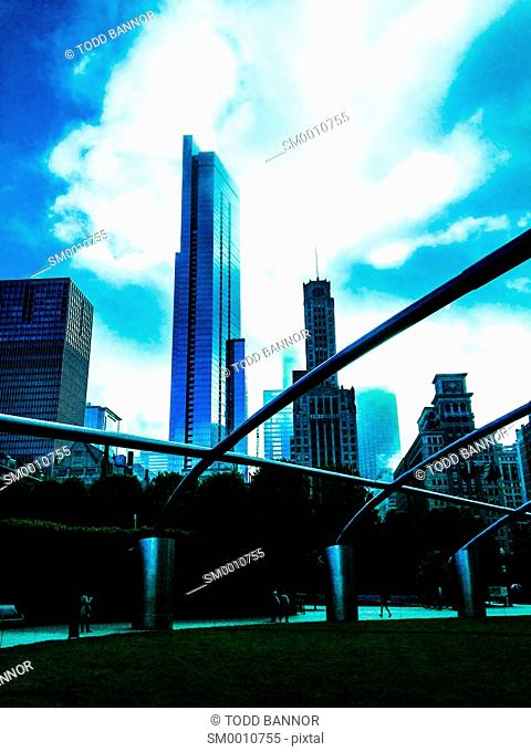 Pritzker Pavilion and Chicago skyscrapers