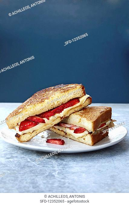 Sunday Brunch Sandwich with Strawberries