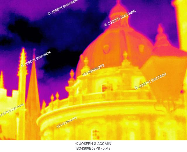 Thermal image of Radcliffe Camera, Oxford, England, UK
