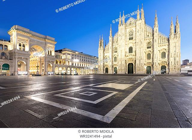 Milan Cathedral (Duomo) and Galleria Vittorio Emanuele II at dusk, Milan, Lombardy, Italy, Europe