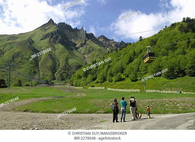 Cable car, Mont Dore, Sancy mountain, Puy de Dome, Auvergne Volcanoes Natural Park, France, Europe