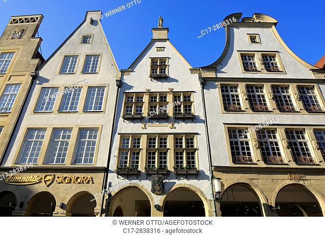 Germany, Muenster, Westphalia, Muensterland, North Rhine-Westphalia, NRW, Prinzipalmarkt, gabled houses, pediments, arcades