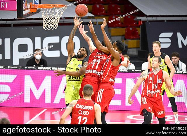 Lazeric JONES (BT), action, duels versus VLADIMIR LUCIC (FCB), and JaJuan Johnson (FCB). Basketball 1.Bundesliga / FC Bayern Munich-medi Bayreuth on April 6th
