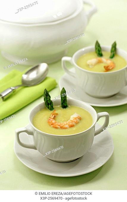 Asparagus and prawns soup