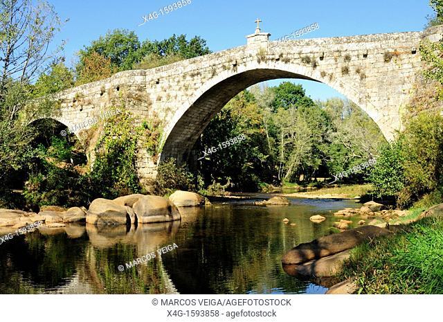 The medieval bridge of San Clodio over the river Avia  Leiro, Ourense, Galicia, Spain