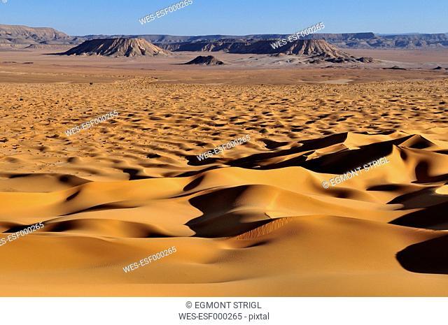 Algeria, Sahara, View of sand dunes Erg Tihoulahoun
