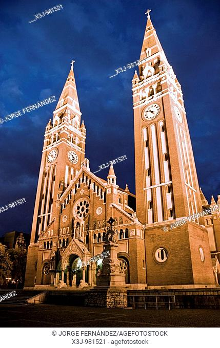 Picture of the Fogadalmi Templom at night, Szeged, Hungary, Europe