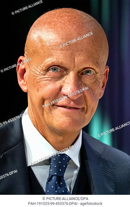 25 October 2019, Bavaria, Nuremberg: Pierluigi Collina, former referee, receives the Walther Bensemann Prize of the German Academy for Football Culture
