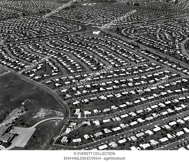 An Aerial view of the Levittown housing project in Pennsylvania. It was located in the eastern part of the State, in the Delaware River Valley