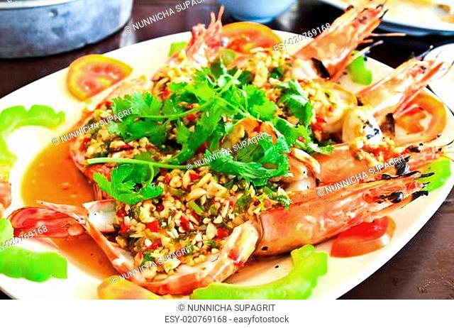 Thai style golden river prawn with garlic and pepper sauce