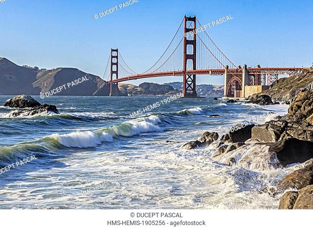 United States, California, San Francisco, Golden Gate National Recreation Area, the Golden Gate Bridge from Baker Beach