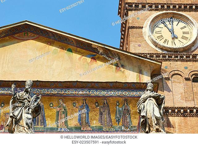 Basilica Di Santa Maria in Trastevere, Piazza Santa Maria in Trastevere, Rome, Lazio, Italy, Europe