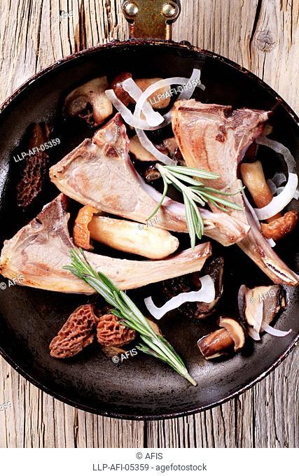Lamb chops and mushrooms