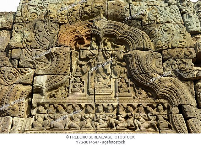 Bas relief above one of the gates of Banteay Prey Nokor temple,,Kompong Cham,Cambodia,South East Asia,Asia