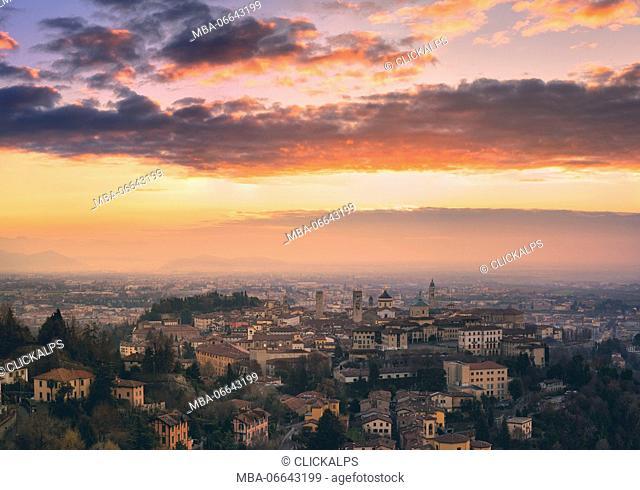 Sunrise in Città Alta, Bergamo, Bergamo province, Lombardy district, Italy, Europe