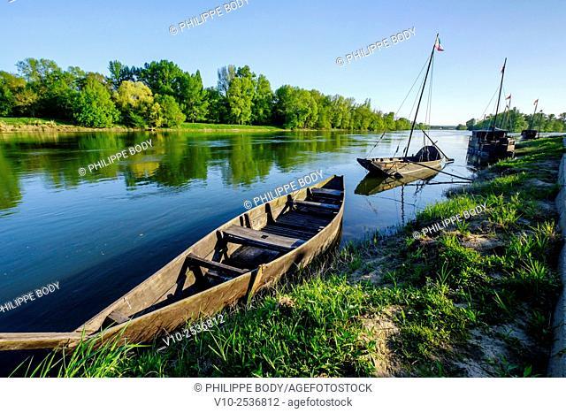 France, Indre et Loire, Chouze-sur-Loire, on the World heritage list of 'UNESCO, traditionnal boat on the Loire river, traditional boats