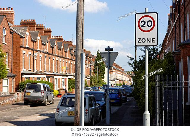 20 mph zone in a residential street with onstreet parking in terraced streets in the uk