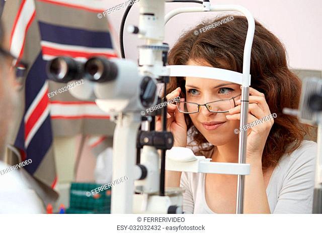 optometrist working