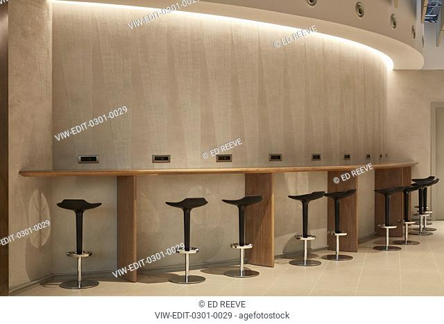 Seating at British Airways Executive Lounge Rome. British Airways Executive Lounge Rome, Fiumicino, Italy. Architect: Universal Design Studio, 2018