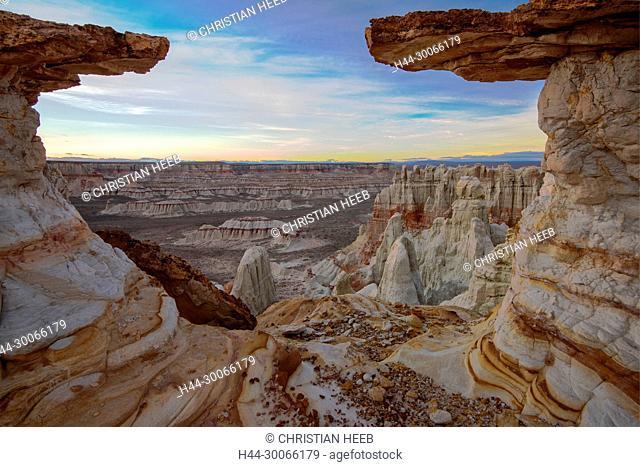 USA, Arizona, Hopi Reservation, Ha Ho No Geh Canyon, badlands, landscape, southwest, hoodoo, desert, sandstone, erosion