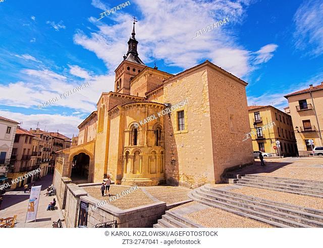 Spain, Castile and Leon, Segovia, Old Town, View of the San Martin Church on the Medina del Campo Square.
