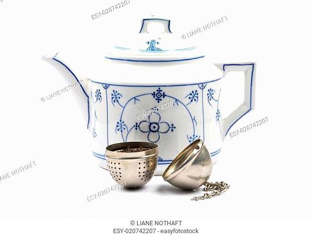 Teekanne und Teeei