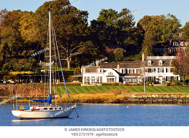 Luxury Waterfront Homes in Greenwich Connecticut