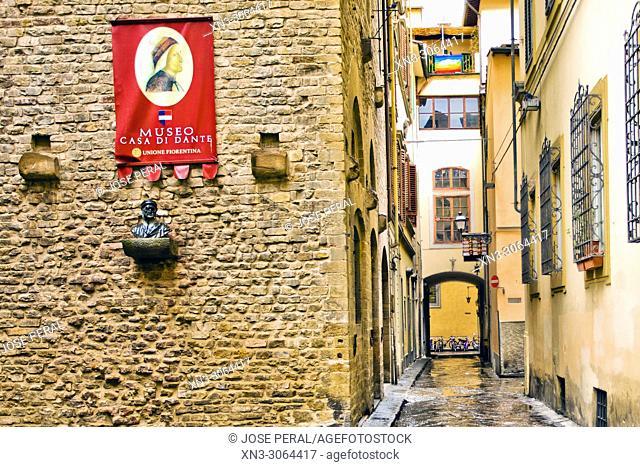 At left Torre dei giuochi, Museo casa di Dante Alighieri, Museum House of Dante, Via Santa Margherita, Florence, Tuscany, Italy, Europe