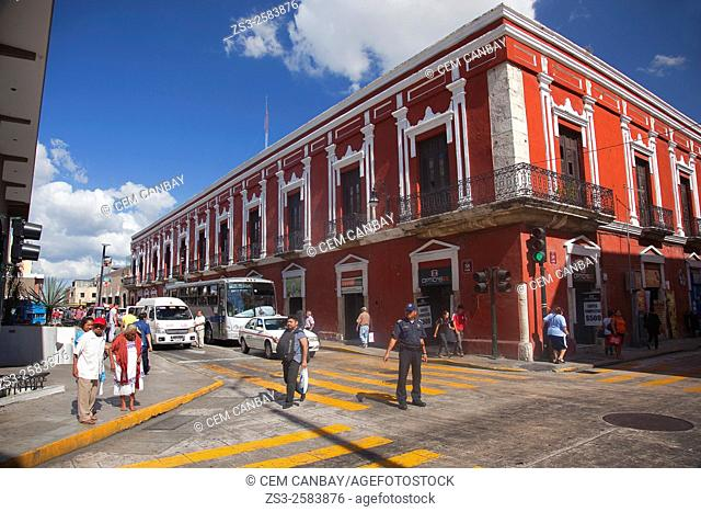 Street scene from the city center, Merida, Yucatan Province, Mexico, Central America