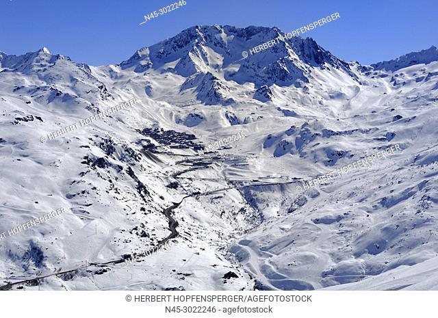 Val Thorens Ski Resort (2300m) in the Three Valleys, Haute Savoie, Trois Vallees, Three Valleys, Ski Resort, France, Europe
