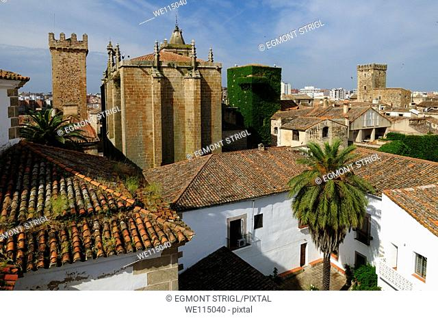 Europe, Spain, Extremadura, Caceres, Unesco World Heritage Site, view over the historic towers in the oldtown Ciudad Monumental