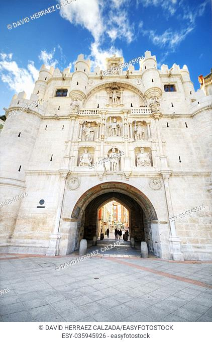 Scenic view of famous ancient arch of st mary in Burgos, Spain