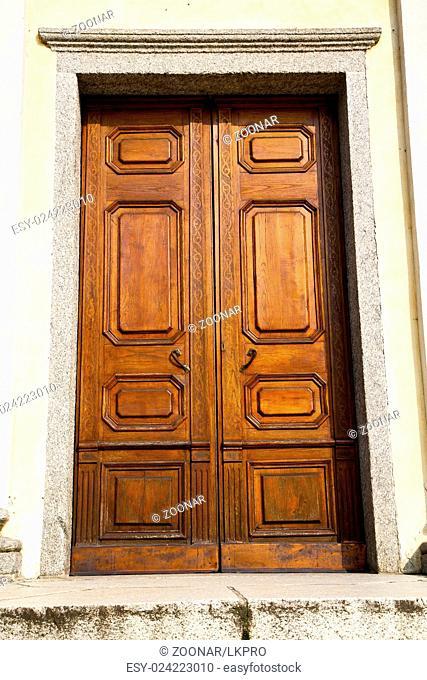 door italy lombardy   in the milano