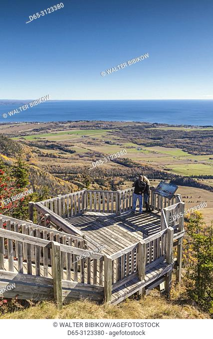 Canada, Quebec, Gaspe Peninsula, Carleton-sur-Mer, elevated view from Mont-St-Joseph, viewpoint, autumn