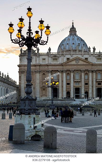 Saint Peter's cathedral at dusk. Rome, Italy