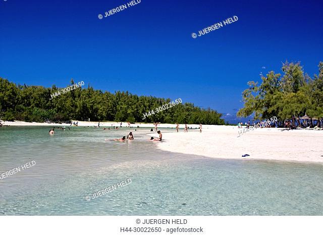 Ile aux Cerf , Lagoon , dream beach, people, Mauritius, Indian Ocean, Africa