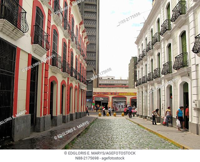 Historic building Hotel Leon de Oro and Pasaje Linares, Downtown University Avenue, Caracas, Venezuela