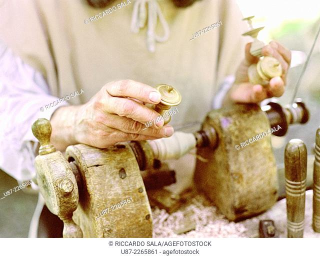 Italy, Lombardy, Historical Reenactment, Lathe Wooden Stringed, Construction of Spins in Wood