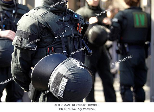 Police officers in protective clothing at a neo-Nazi demonstration in Koblenz, Rhineland-Palatinate, Germany, Europe